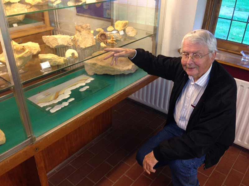Henk-Duyverman-in-Museum-Staringgroeve-wb